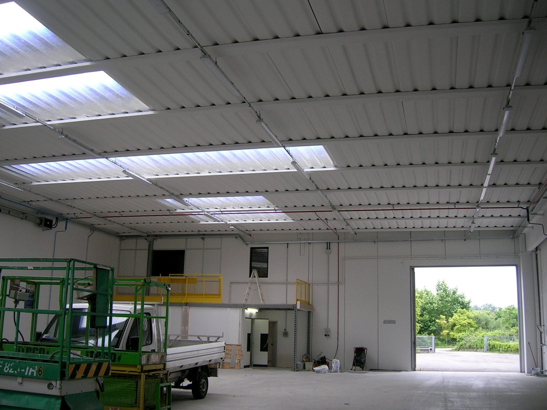 Ampliamento impianti elettrici edificio industriale